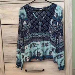 Roxy blouse, V-neck.